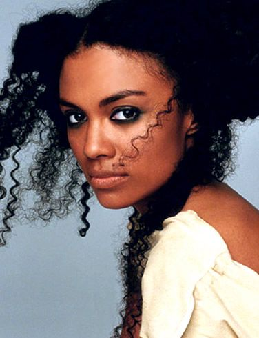 amel-larrieux-picture-2.jpg